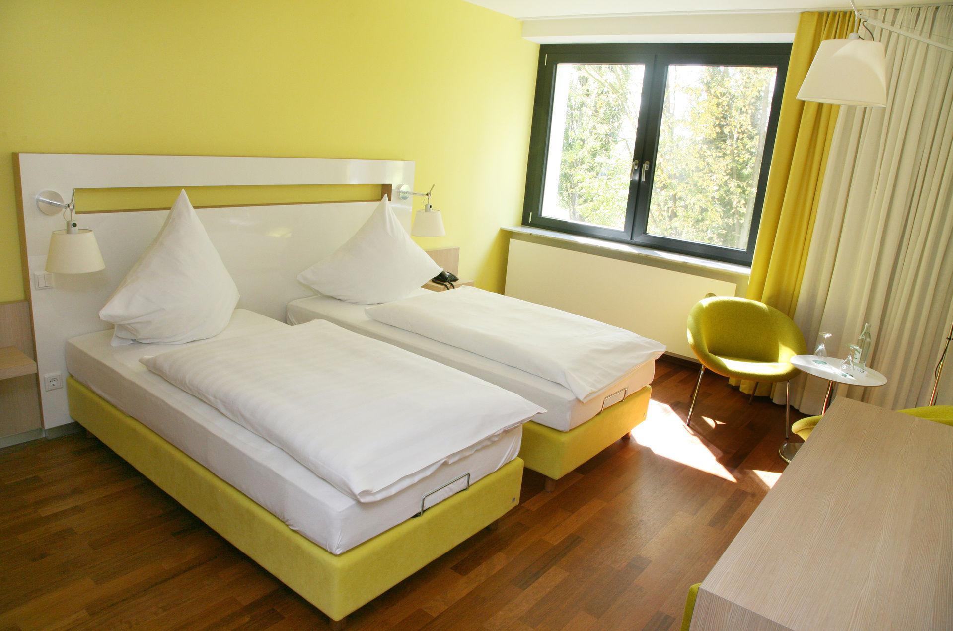 herzlich willkommen hotel ullrich elfershausen 4 sterne hotel bad kissingen rh n fr nkisches. Black Bedroom Furniture Sets. Home Design Ideas